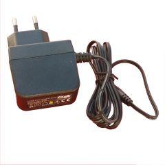 Vestax VCI-400 : Alimentation 7.5V compatible (chargeur adaptateur secteur)