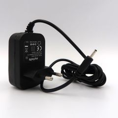 Harley Benton American : Alimentation 9V compatible (chargeur adaptateur secteur)