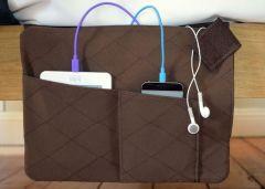 Z-charge - Rangement et chargeur de tablette et téléphone pour le lit ou le canapé (marron)